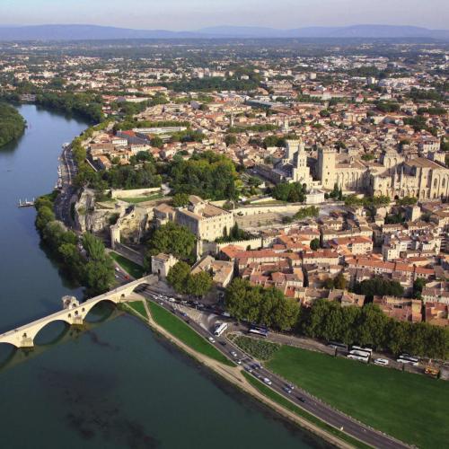 Investir a Avignon